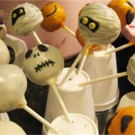 "Jazz up your Halloween parties with ""spooky"" cake pops!"